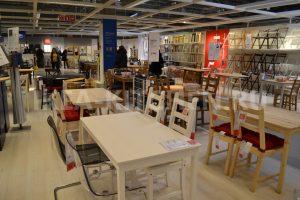 Столы и стулья в ИКЕА Дыбенко