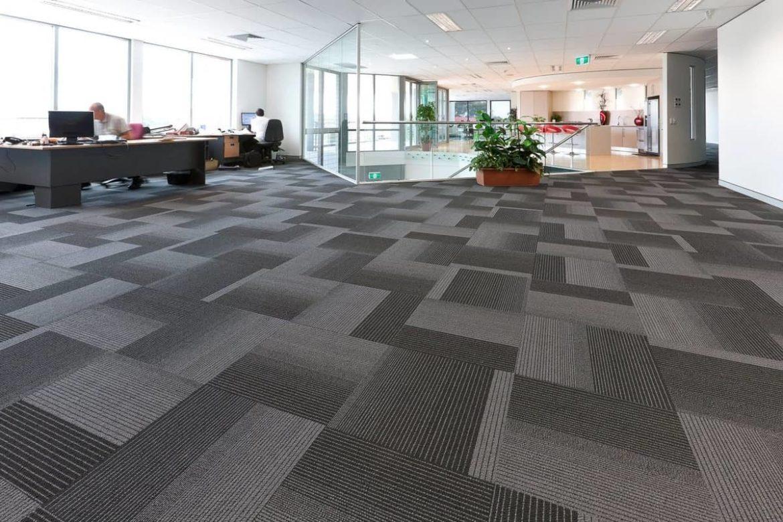 Офисный ковролин: особенности выбора и ухода