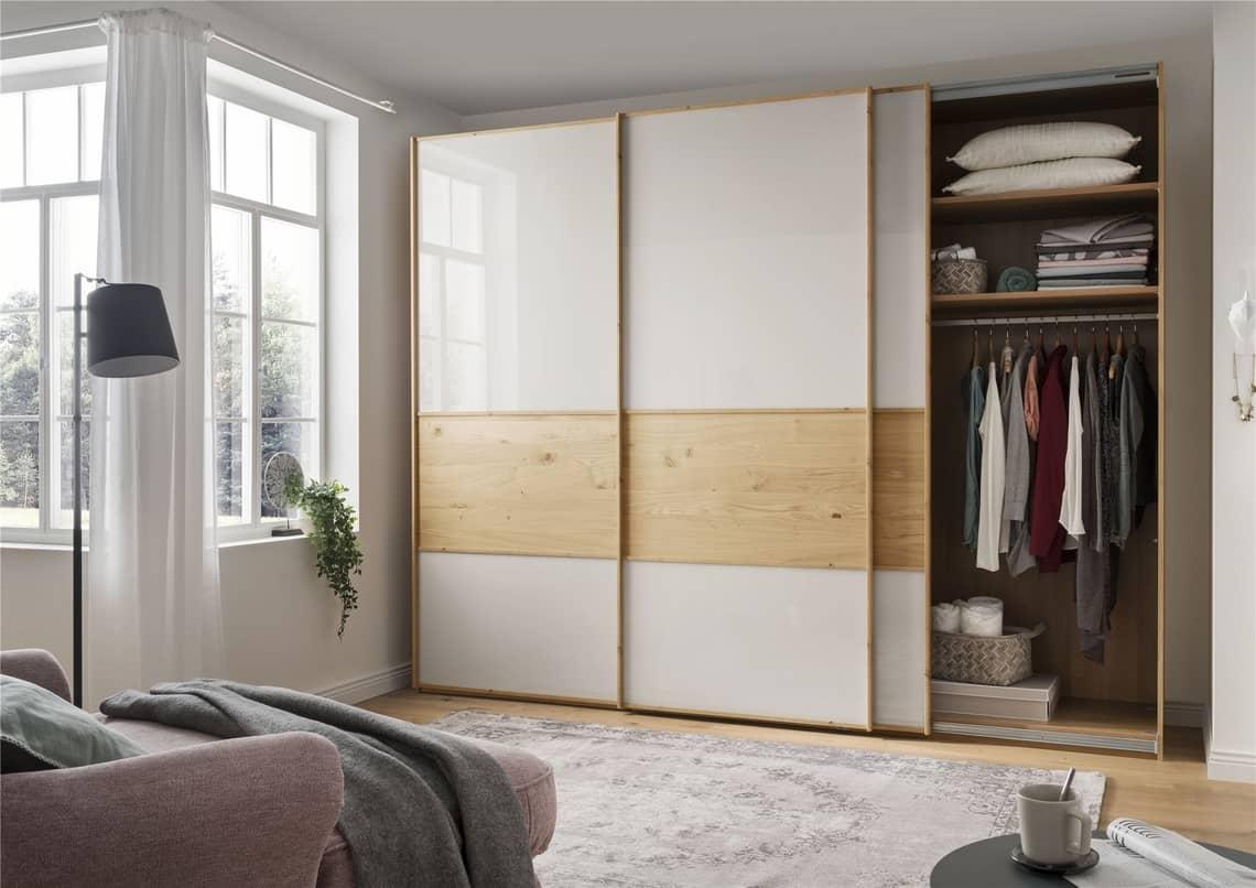 Как выбрать шкаф-купе в небольшую комнату?