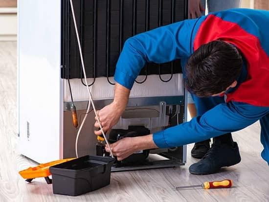 Ремонт компрессора потребует вмешательства специалиста